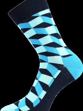 Bunte Socken mit Würfeln