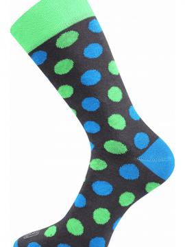Bunte Socken mit Punkten grün