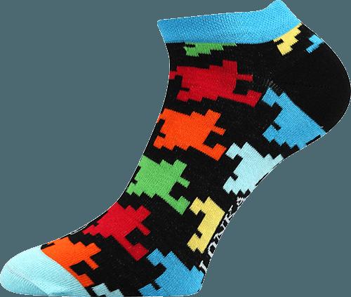 Bunte Socken mit Puzzle Motiv