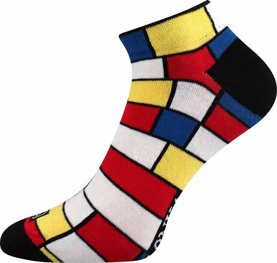 Bunte Socken mit Würfeln in Wien