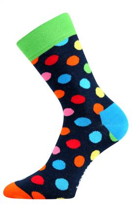 Bunte Socken mit Punkten