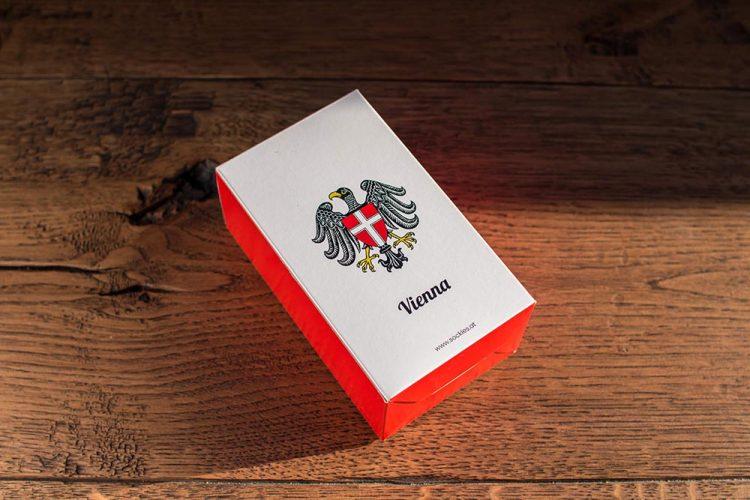Geschenkbox mit Wien Motiv in der Stadt