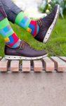 Lustige Socken in der Natur