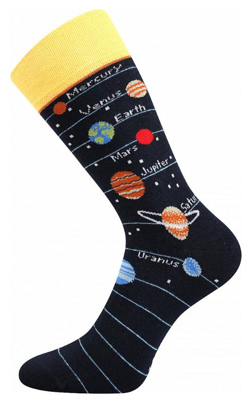 Bunte Socken mit Universum und Planeten