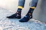 Bunte Socken mit Universum